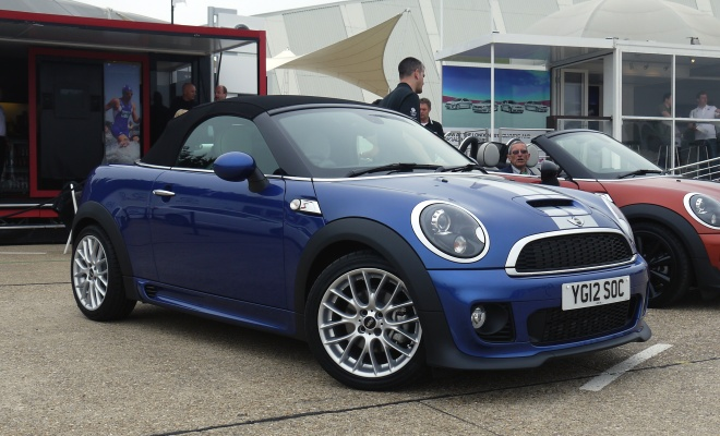 Mini Roadster in blue