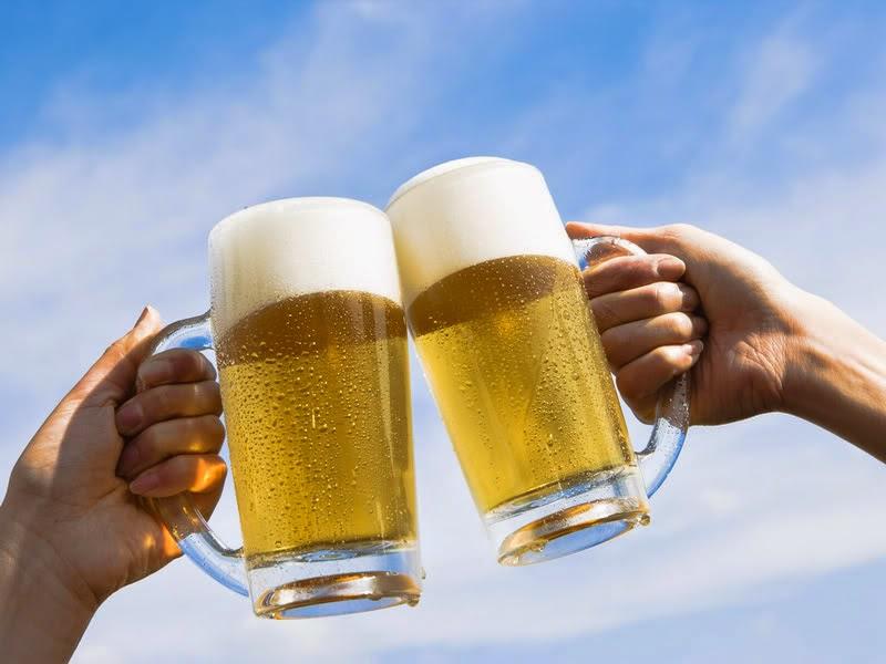 nhìn bọt phân biệt bia giả cho đấng mày râu