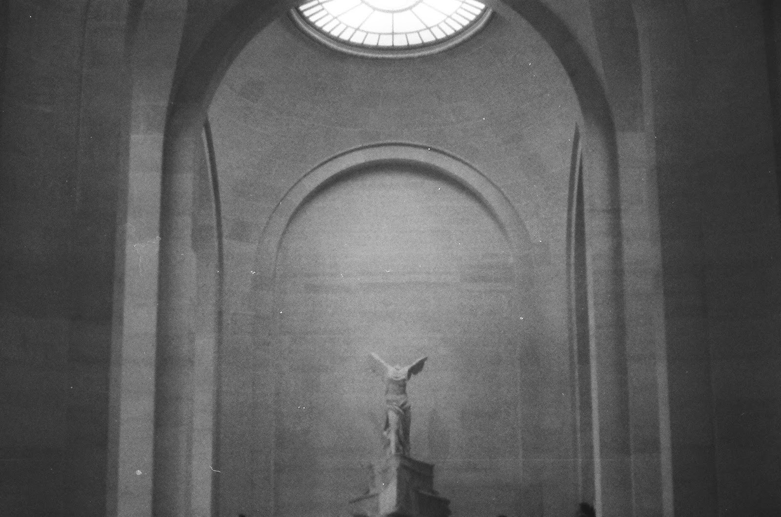 Paris Louvre film