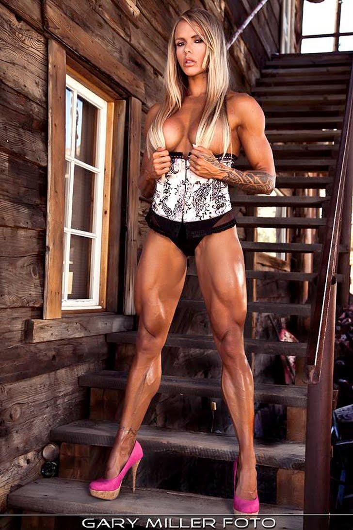 Larissa Reis Modeling Her Ripped Legs In Pink Heels