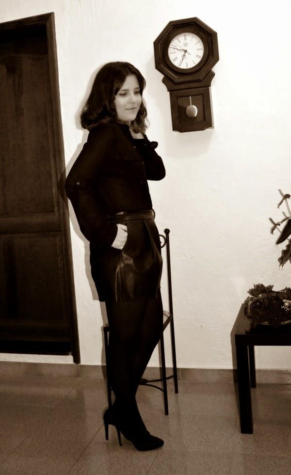 look_nochebuena_navidad_total_black_short_polipiel_lolalolailo_02