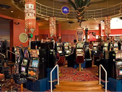 Le petit casino dîner spectacle