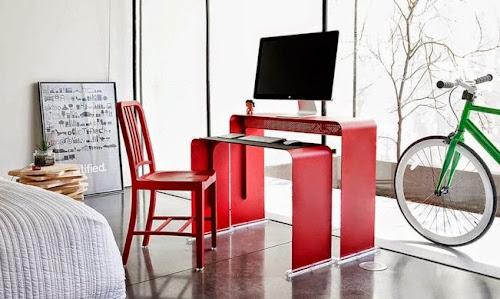 OneLess Space-saving Computer Desk