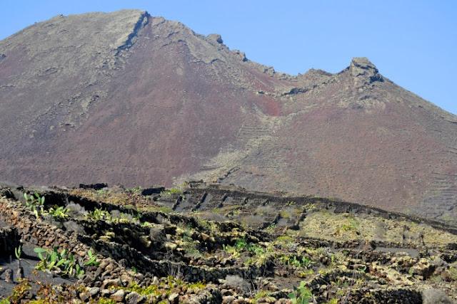 Volcanes_milenarios_volcan_de_la_corona_Lanzarote_ObeBlog_01