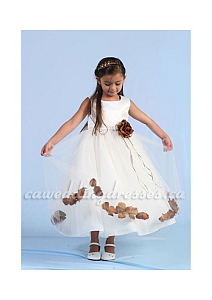 Vestidos con Pétalos, Niña de las Flores