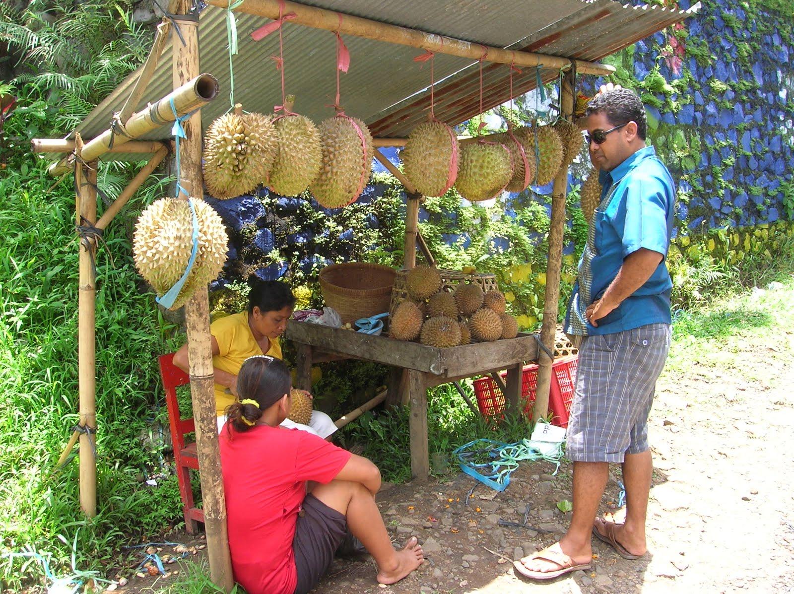 Puesto de fruta, Isla de Bali,Indonesia, vuelta al mundo, round the world, La vuelta al mundo de Asun y Ricardo