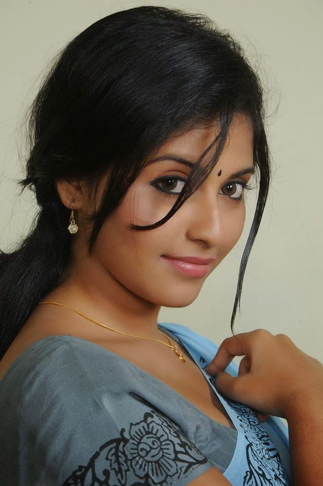 Actress Anjali Latest Photo Shoot Stills