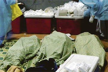 http://3.bp.blogspot.com/-OShjD68FB2s/TdhNMFZ83dI/AAAAAAAABuk/ydVgZ9u_M0E/s1600/mangsa-tanah-runtuh-rumah-anak-yatim31.jpg