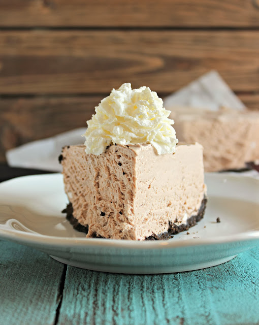 http://chelseasmessyapron.com/frozen-hot-chocolate-cheesecake/