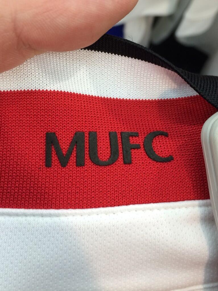 Manchester-United-14-15-Away-Kit+(2).jpg