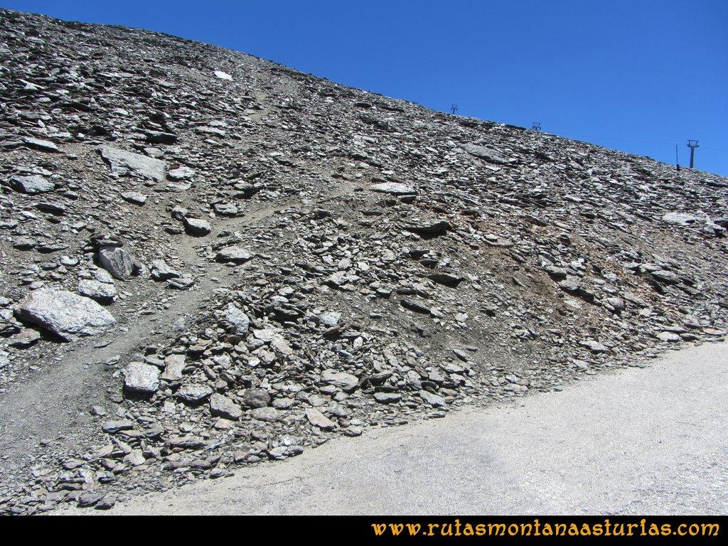 Ruta Hoya de la Mora - Veleta: Bajando de la cima del Veleta