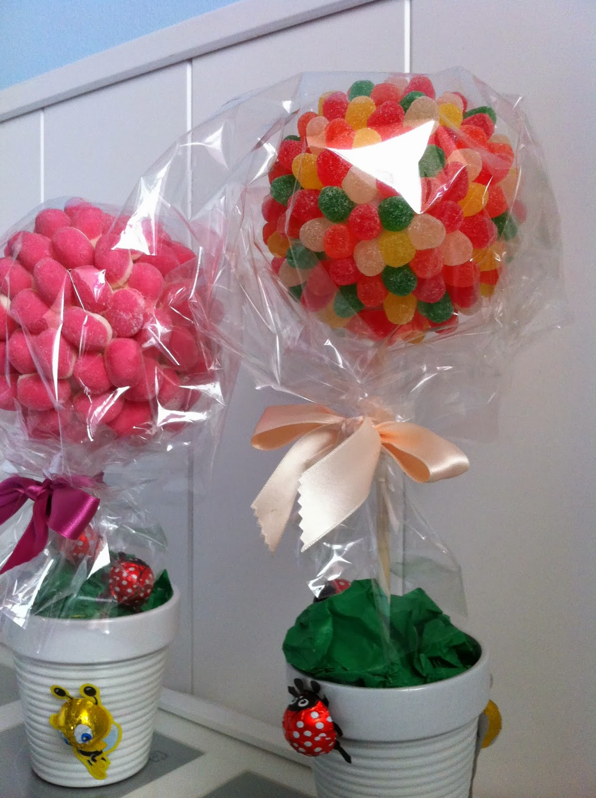 Arboles de chuches candy trees entre papeles y galletas - Arboles de navidad de chuches ...