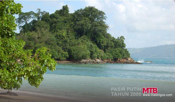 Inilah Keindahan Pemandangan Pantai Pasir Putih di Tahun 2006, Indah Banget!