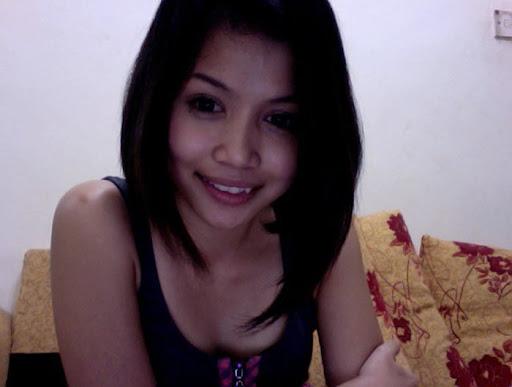 Awek Cun Body Cantik Chatiing di Webcam melayu bogel.com