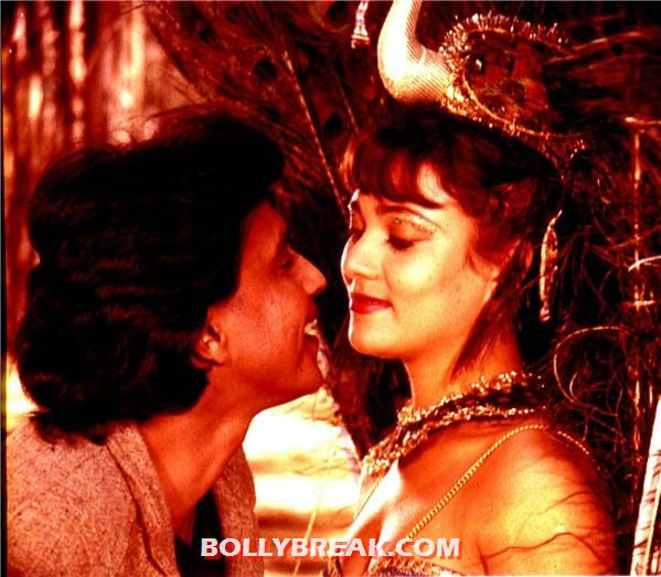 Mandakini close up with Mithun - (5) - Mandakini hot photos from the Old Times