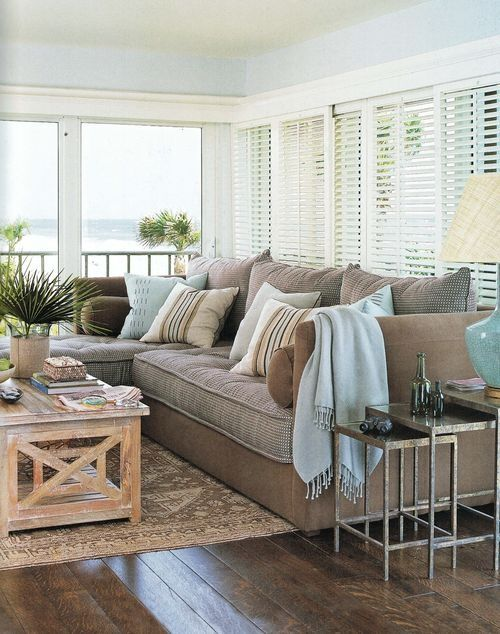 Coastal style living room decorating tips for Beach cottage style decor