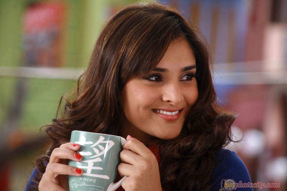 Gallery No1: Divya Spandana In Johny Mera Naam Kannada Movie