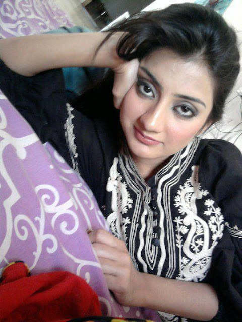 Uroosa Qureshi latest images