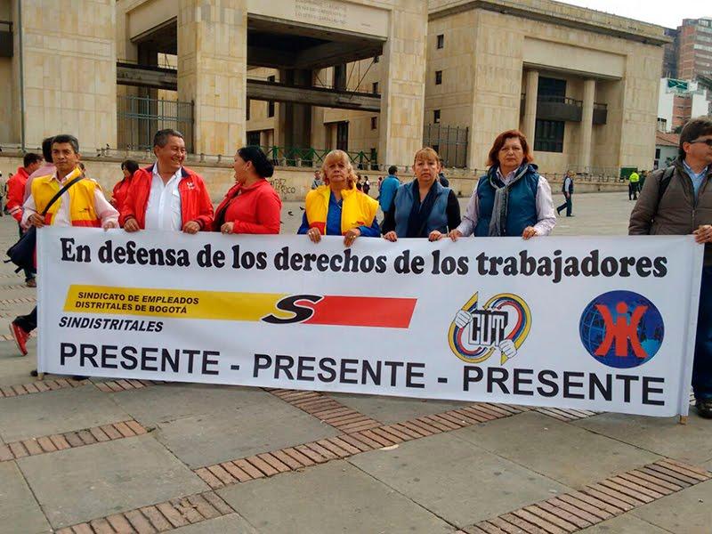 Protesta de trabajadores educativos por condiciones laborales riesgosas