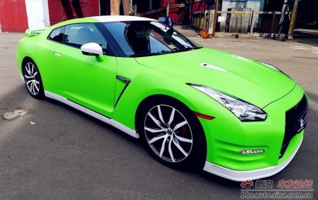 lime green nissan gt r