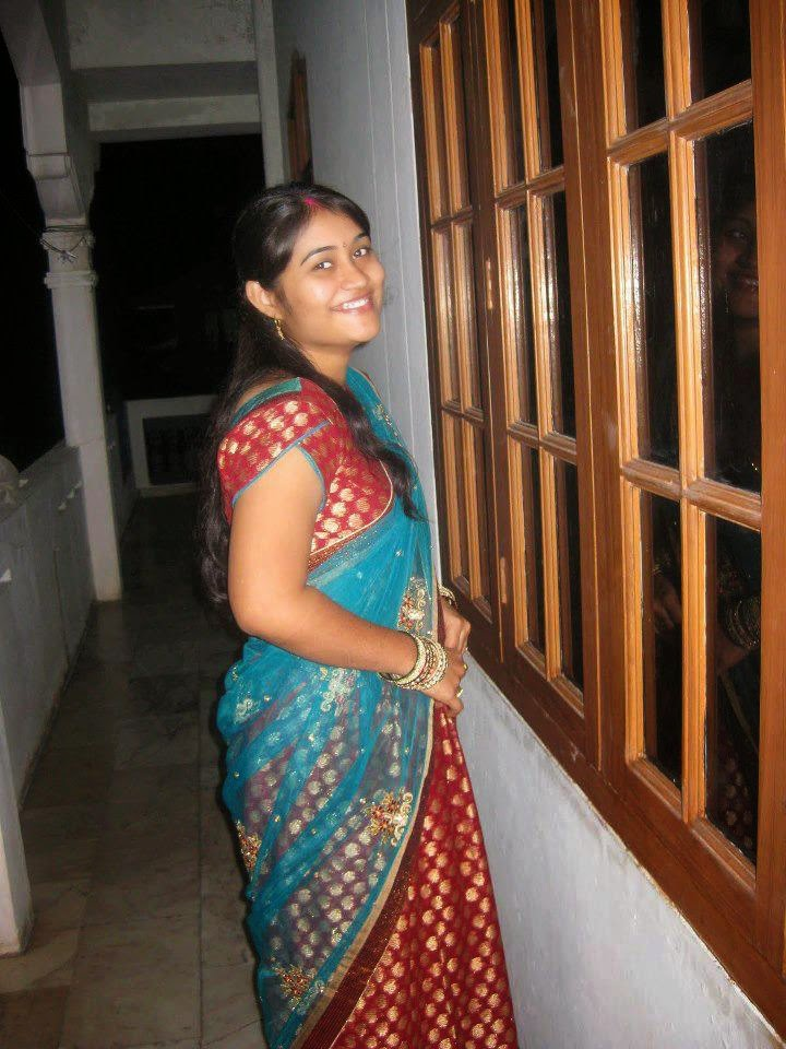 Beautiful Desi Indian Girl In Red Saree Pictures Collection