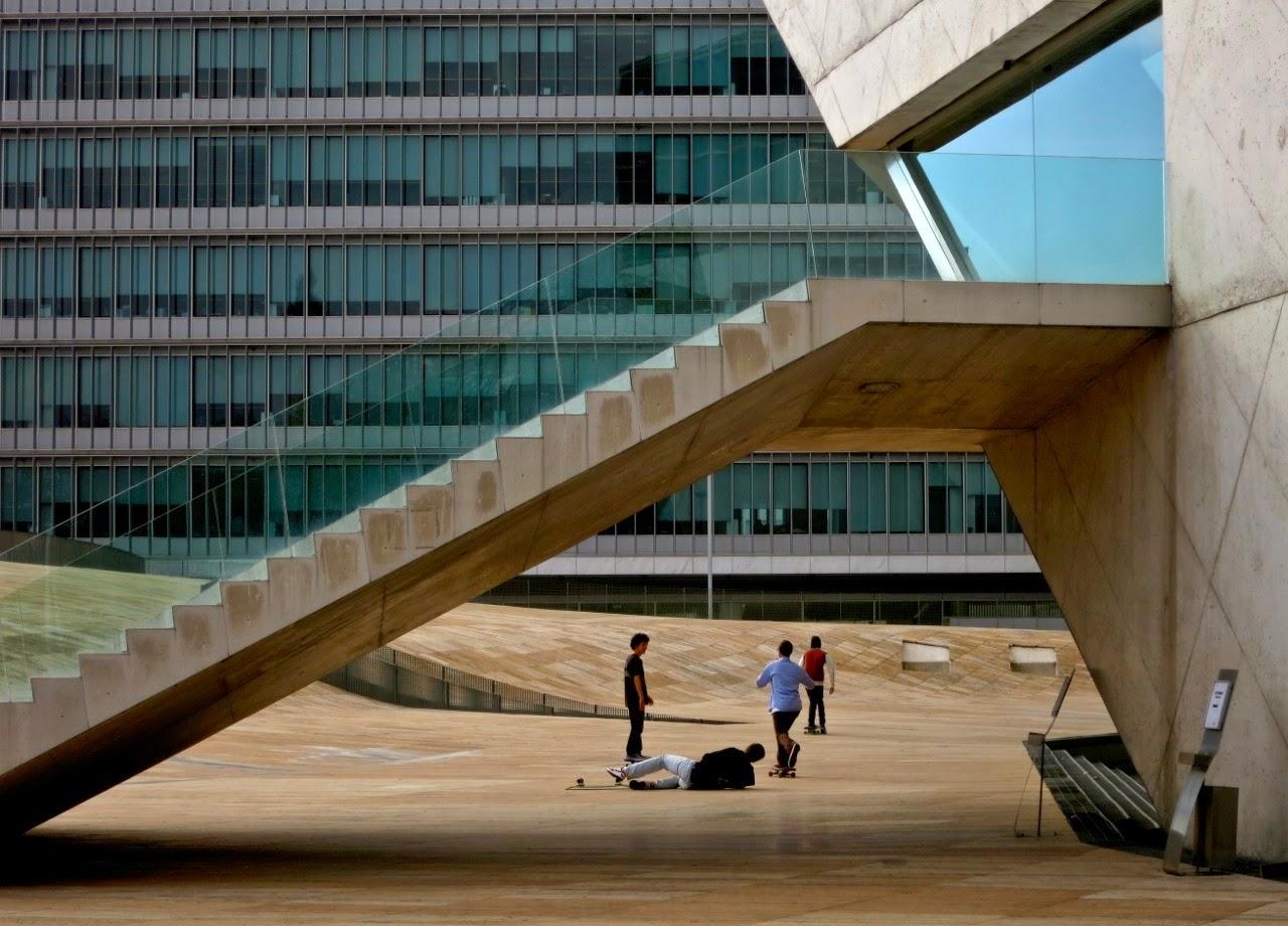 Escadas da Casa da Música no Porto por Joao Pires