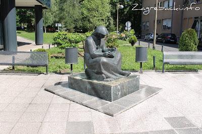 Djevojka s knjigom - Frano Kršinić