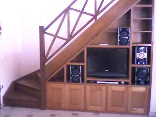 Benjamin mueble bajo escalera for Muebles bajo escalera fotos