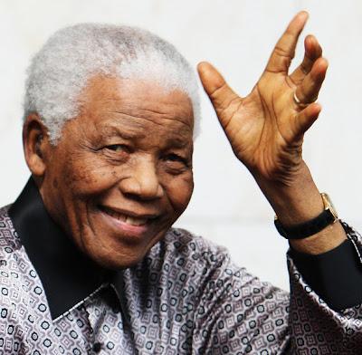 """África do Sul: Mandela de volta à terra natal, onde ficará à espera do seu """"último dia"""""""
