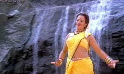 Disco Shanthi http://raaga9mp3.blogspot.in/2011/07/tollywood-actress-disco-shanthi-disco.html