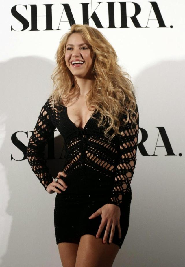 "Shakira lanza su nuevo álbum ""Shakira"""