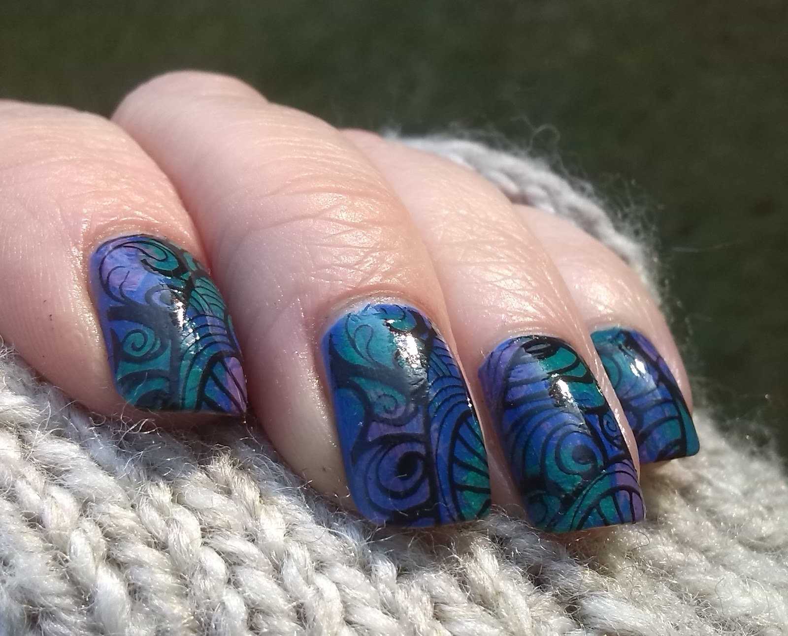 Messy Mansion Leadlight Lacquer A04
