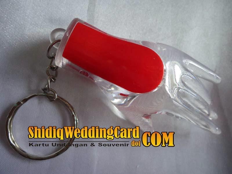 http://www.shidiqweddingcard.com/2014/02/souvenir-gantungan-kunci-jari-bisa-nyala.html