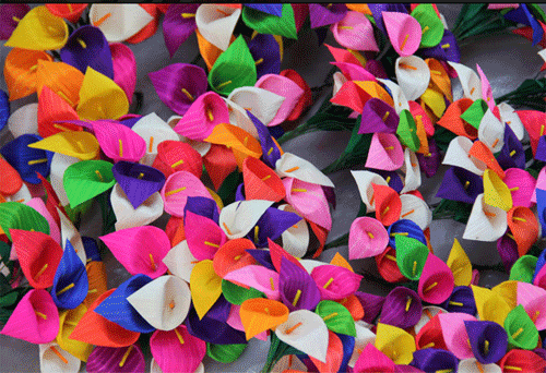 pequeñas calas de color