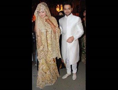 Shaadi Wallpapers Ayesha Takia Wedding Dress