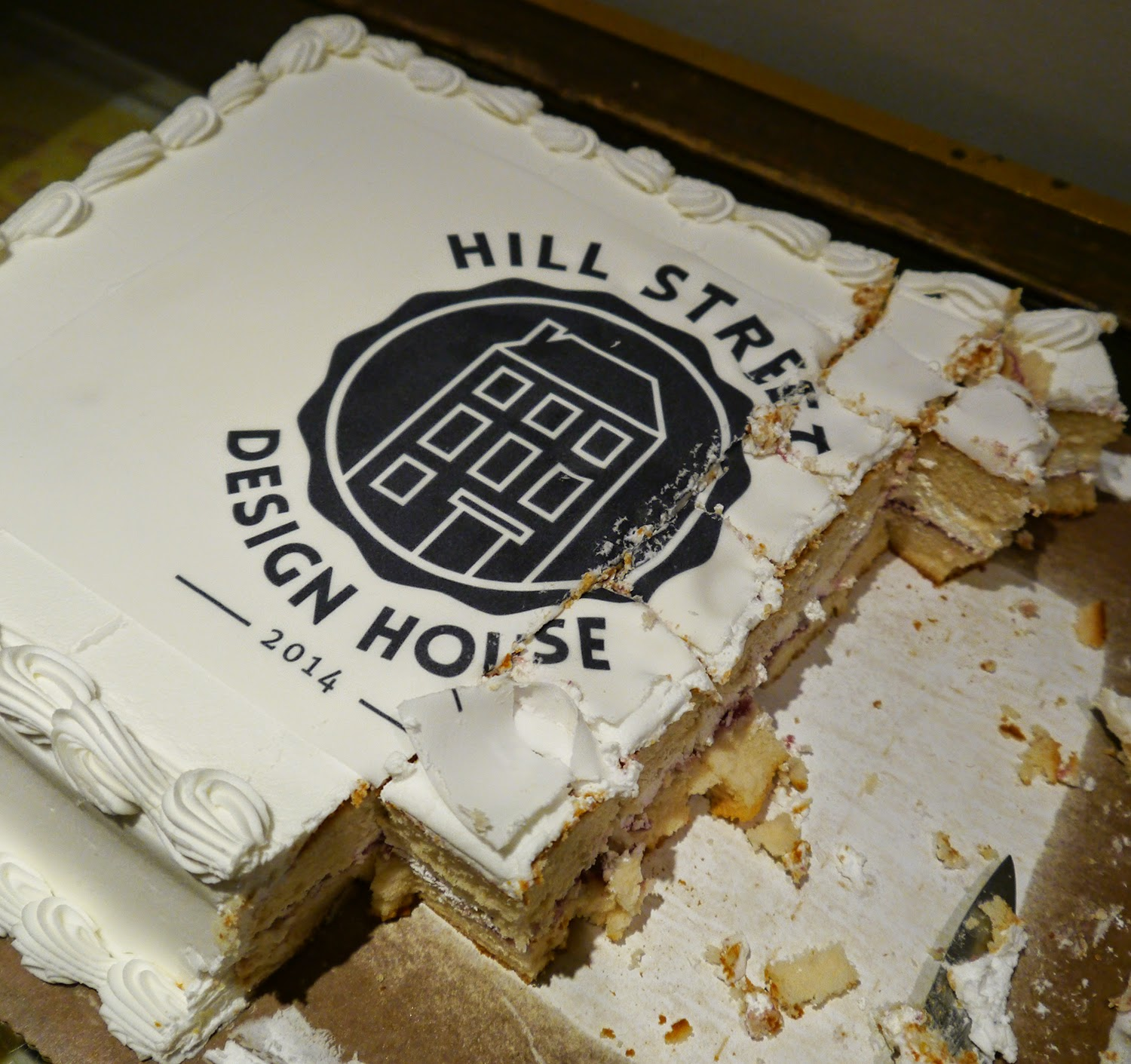 Hill Street Design Studio, design studio, artist studio, Edinburgh, launch night, event, Scottish Bloggers, Edinburgh Bloggers, Scottish Design, Scottish Designers, cake, celebration, branded cake