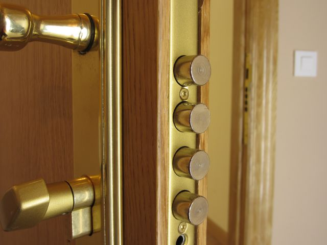 Novak manitas como colocar una cerradura de seguridad - Cerradura seguridad puerta ...