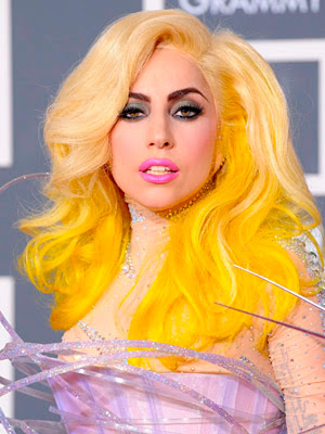 Lady GaGa Curly Hair with Yellow Color Hairstyle