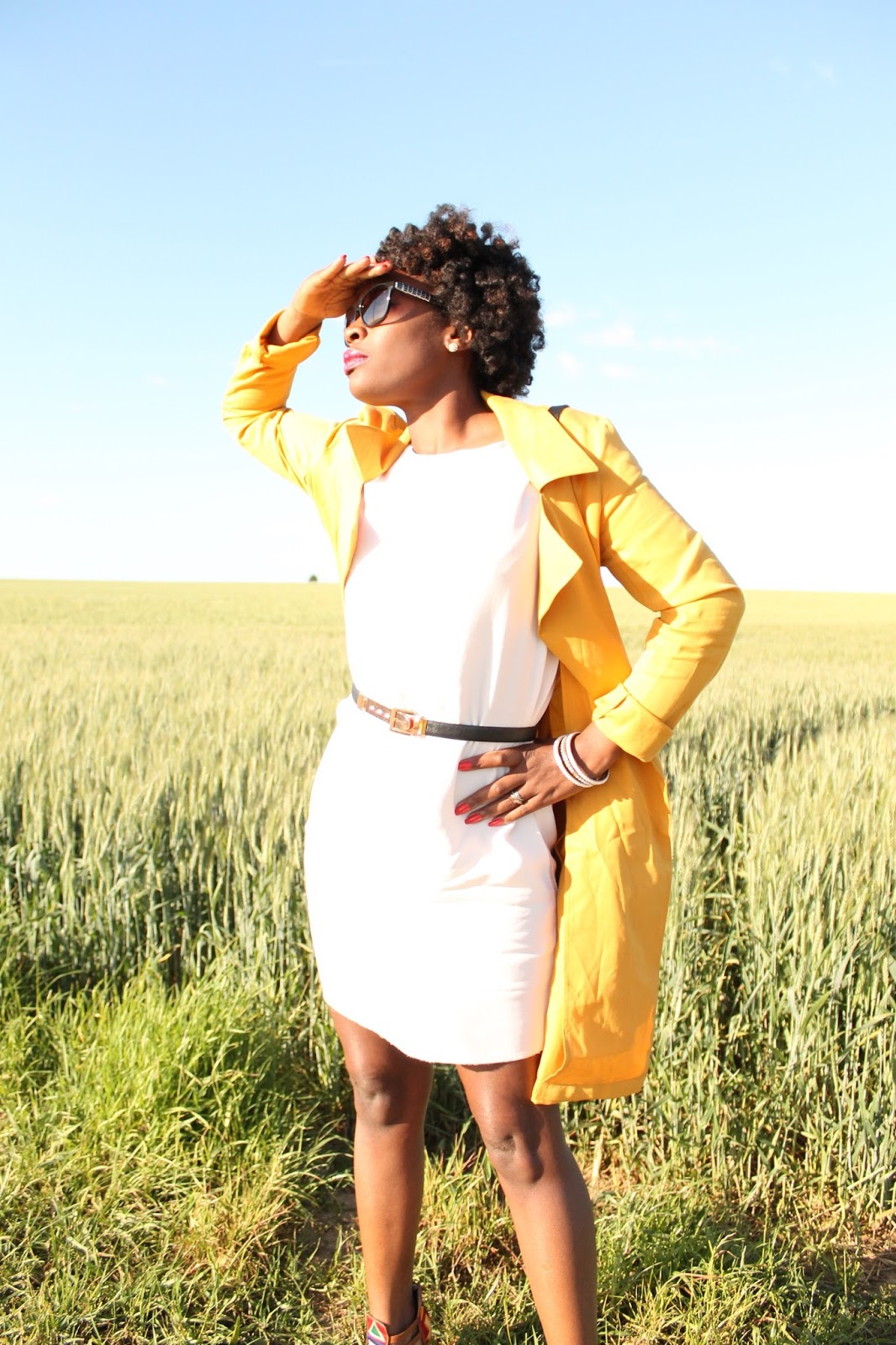 braidout-twistout-fashionblogger-hype-naturalhair-yellowtrench-whitedress