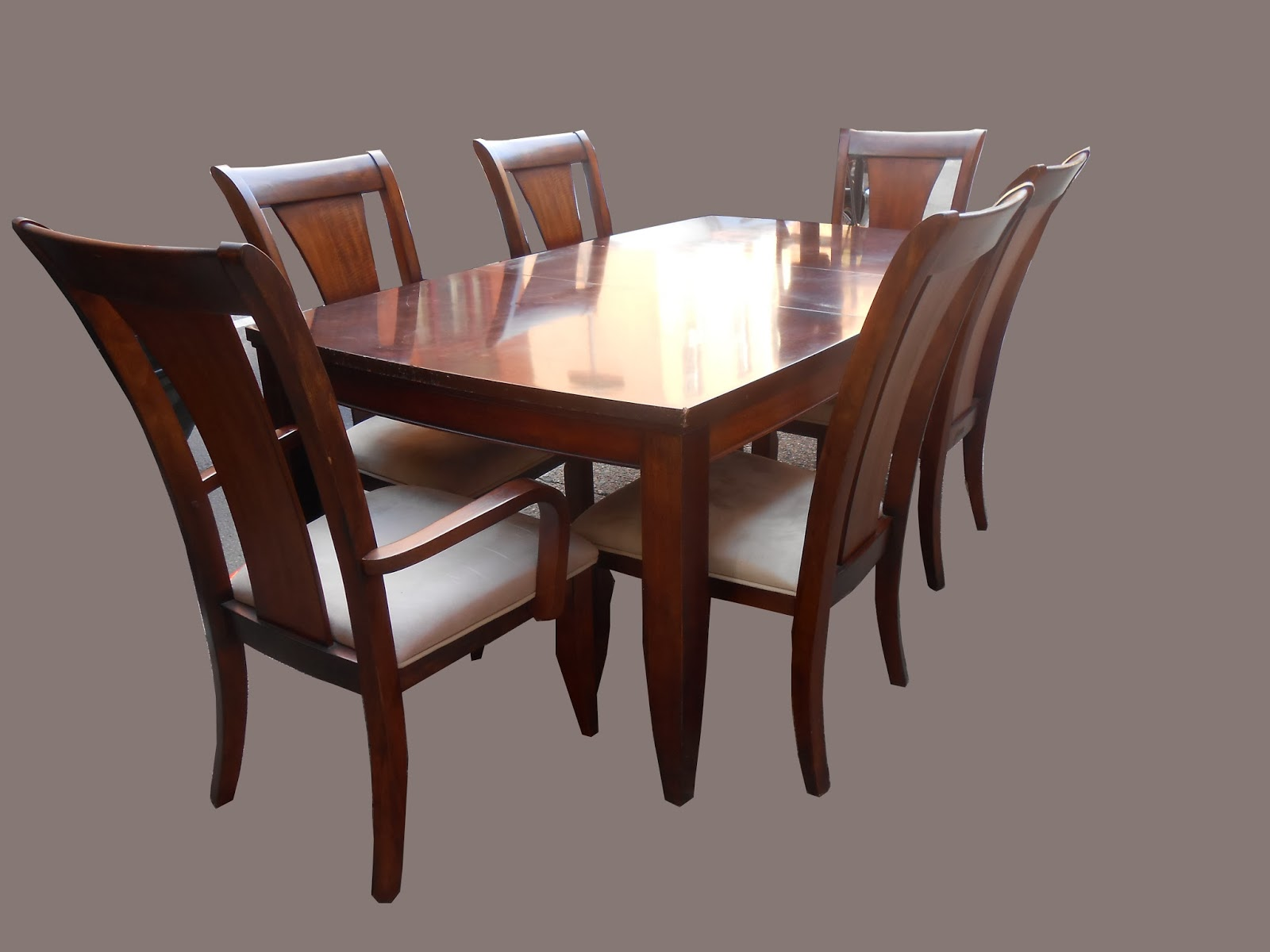 Uhuru furniture collectibles mahogany dining table w 6 for Dining table and 6 chairs