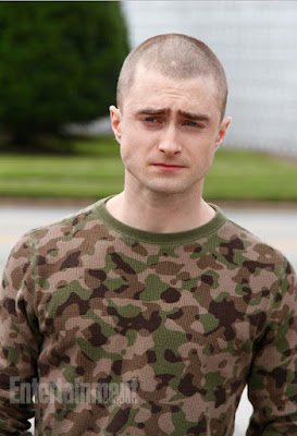 Daniel Radcliffe aparece de cabeça raspada em primeira foto do drama 'Imperium' | Ordem da Fênix Brasileira
