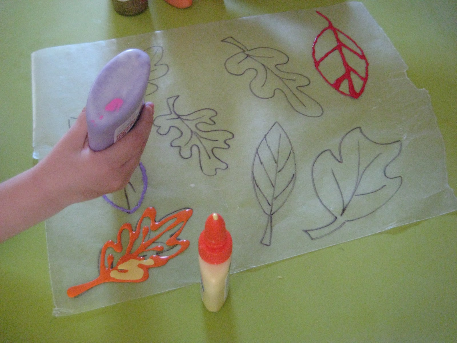 Pink and green mama fall fun making leaves with elmer for Sticky paper for crafts