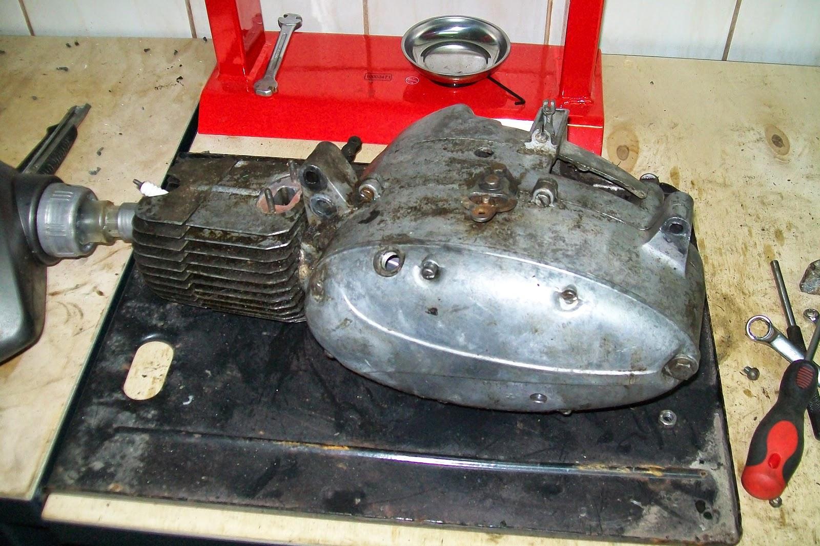 Jawa 50 typ 20 zdemontowany silnik