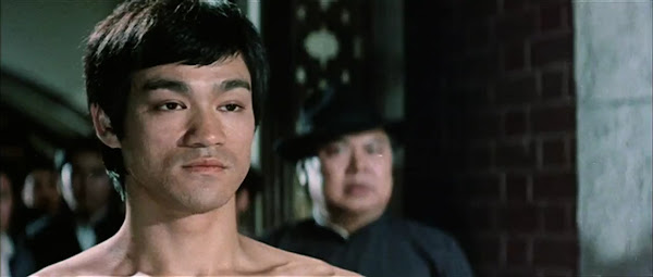 Screen Shot Of Hollywood Movie The Game of Death (1978) In Hindi English Full Movie Free Download And Watch Online at worldfree4u.com