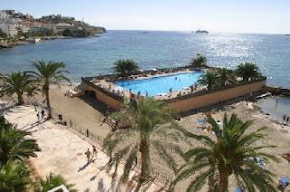 пляжи Ибицы, поиск дешевых авиабилетов на ибицу, аренда вилл и апартаментов на Ибице