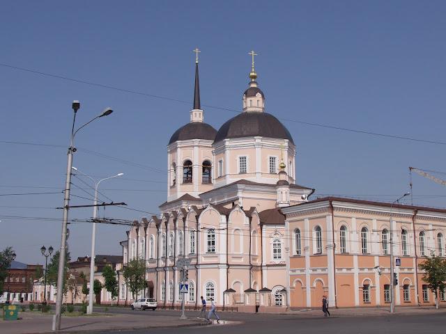 собор и монастырь на площади Ленина - город Томск