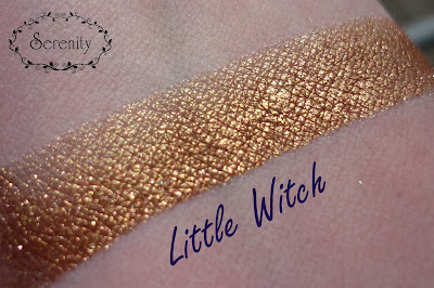 Dreamworld Little Witch Swatch