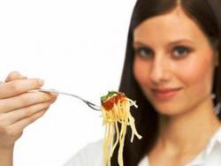 makan dengan garpu
