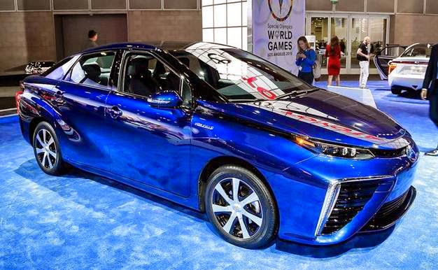 2015 Toyota Mirai Price and Specification