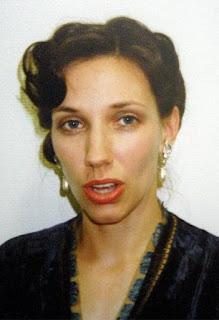 Myself in den Zwanzigern ... also Jahre und Lebensalter ... mit schicker Frisur.